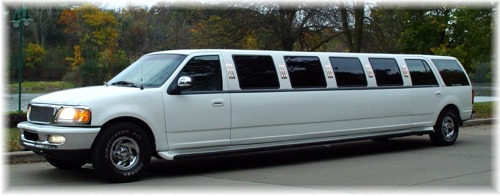 16 passenger Ford SUV limo exterior
